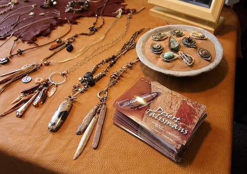 Difference Between Amulets and Talismans-1