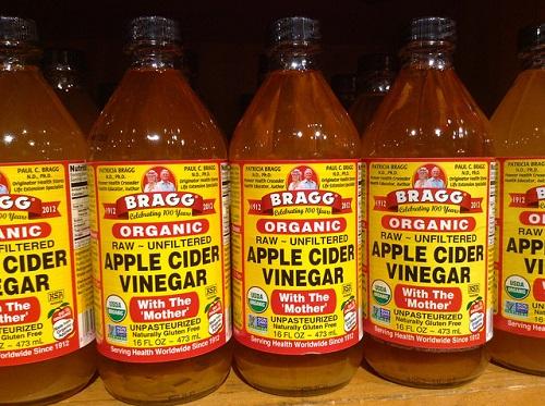 Difference Between White Vinegar and Apple Cider Vinegar