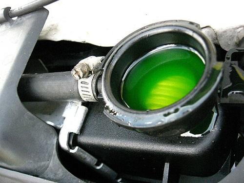 The Difference between Antifreeze and Coolant