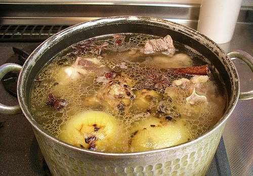 Differences Between Broth and Stock